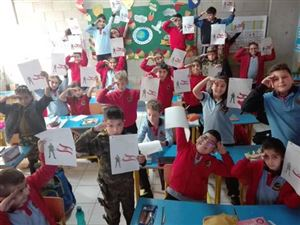 Elementary students celebrating Independence Day 4
